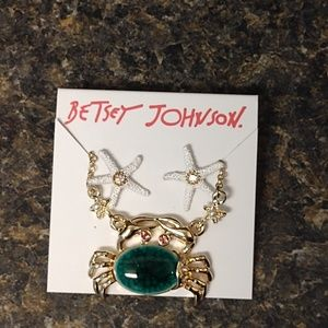 Betsey Johnson starfish earrings and crab necklace